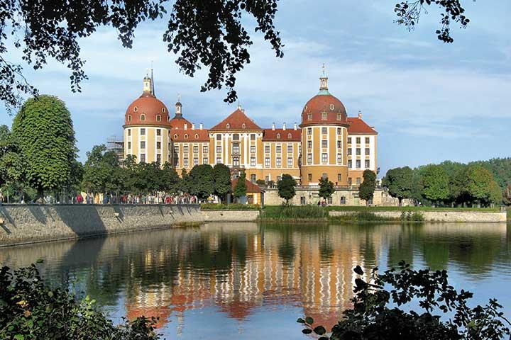 Gruppenreisen Sachsentraeume - Dresden entdecken & genießen auf Schloss Moritzburg