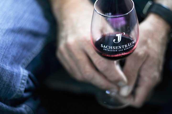 Gruppenreisen & Firmenreisen - Wein aus Aroniabeeren