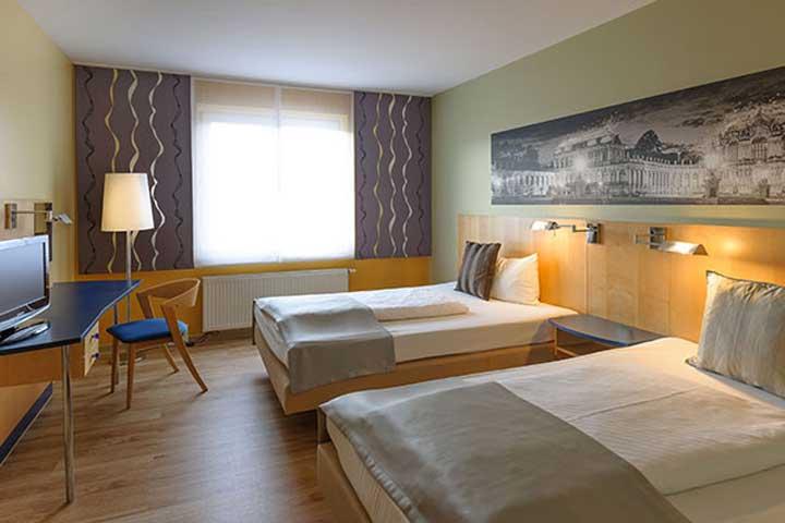 amedia dresden elbpromenade s dresden. Black Bedroom Furniture Sets. Home Design Ideas
