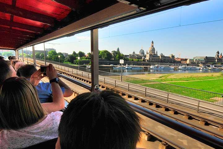 Stadtrundfahrt mit Frühstück | Die Roten Doppeldecker
