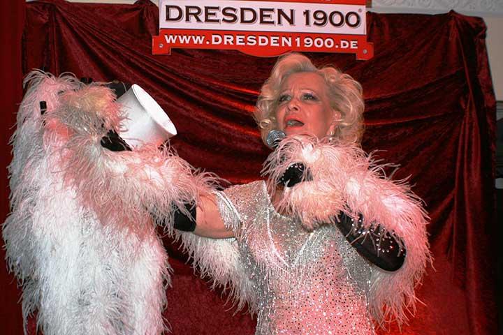"Dorit Gäbler in ""Hommage an Marlene Dietrich"""